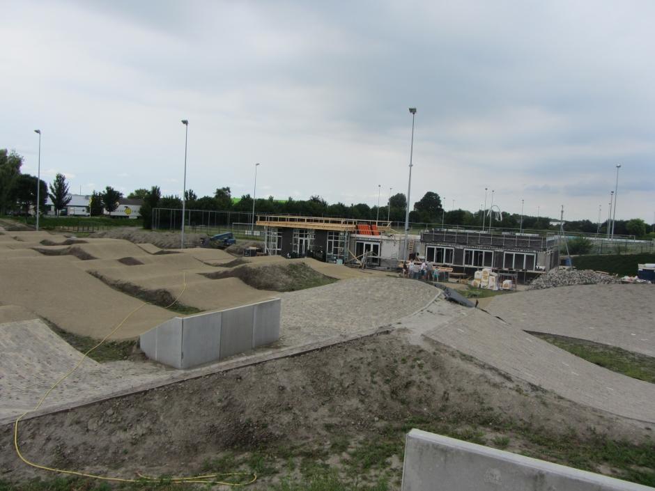bmx baan en nieuwe clubgebouw (juli 2017)