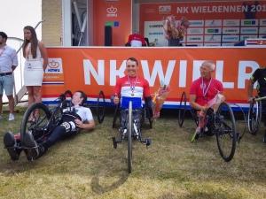 Tim de Vries wint NK tijdrijden